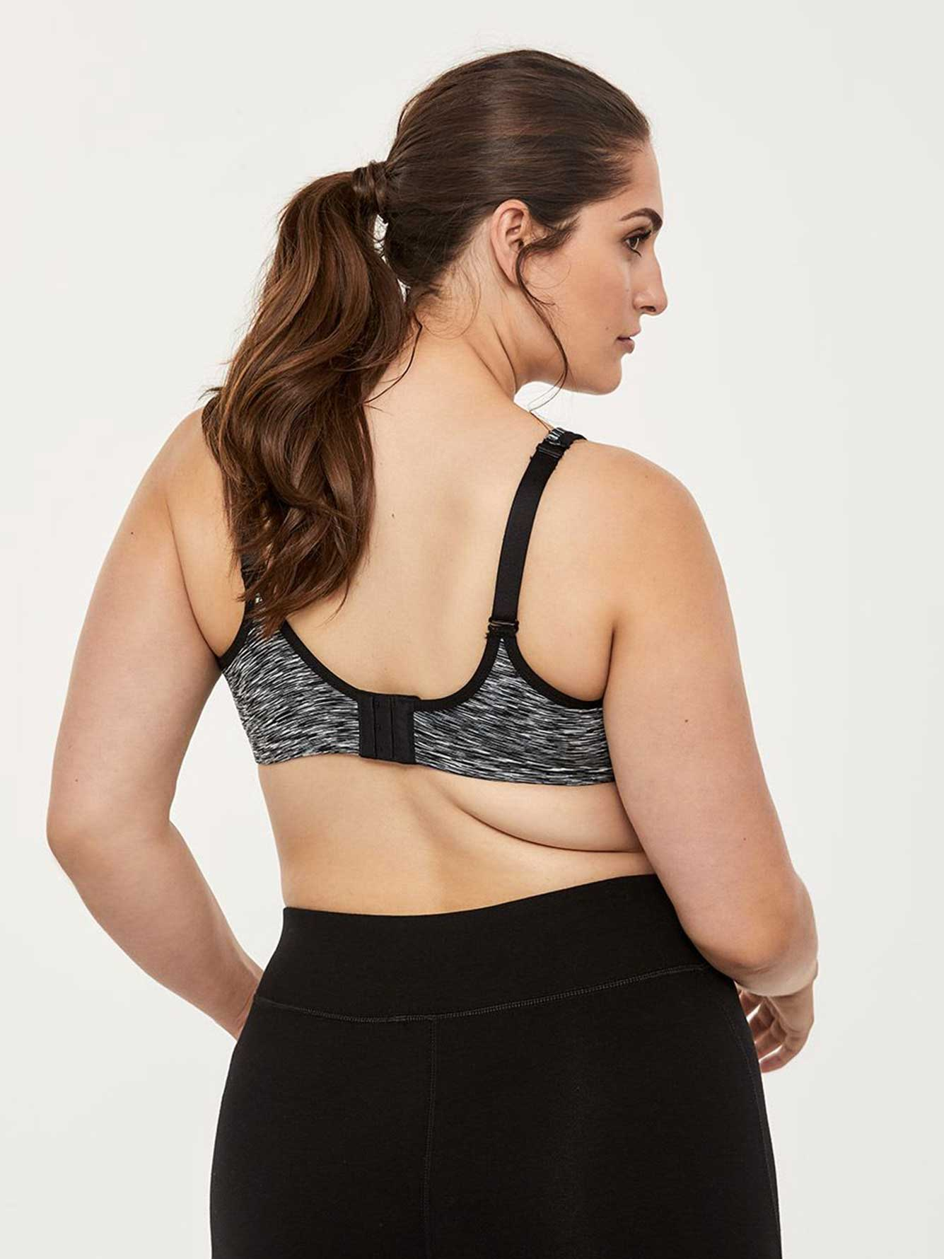 Plus Size Sports Bra with Mesh - ActiveZone