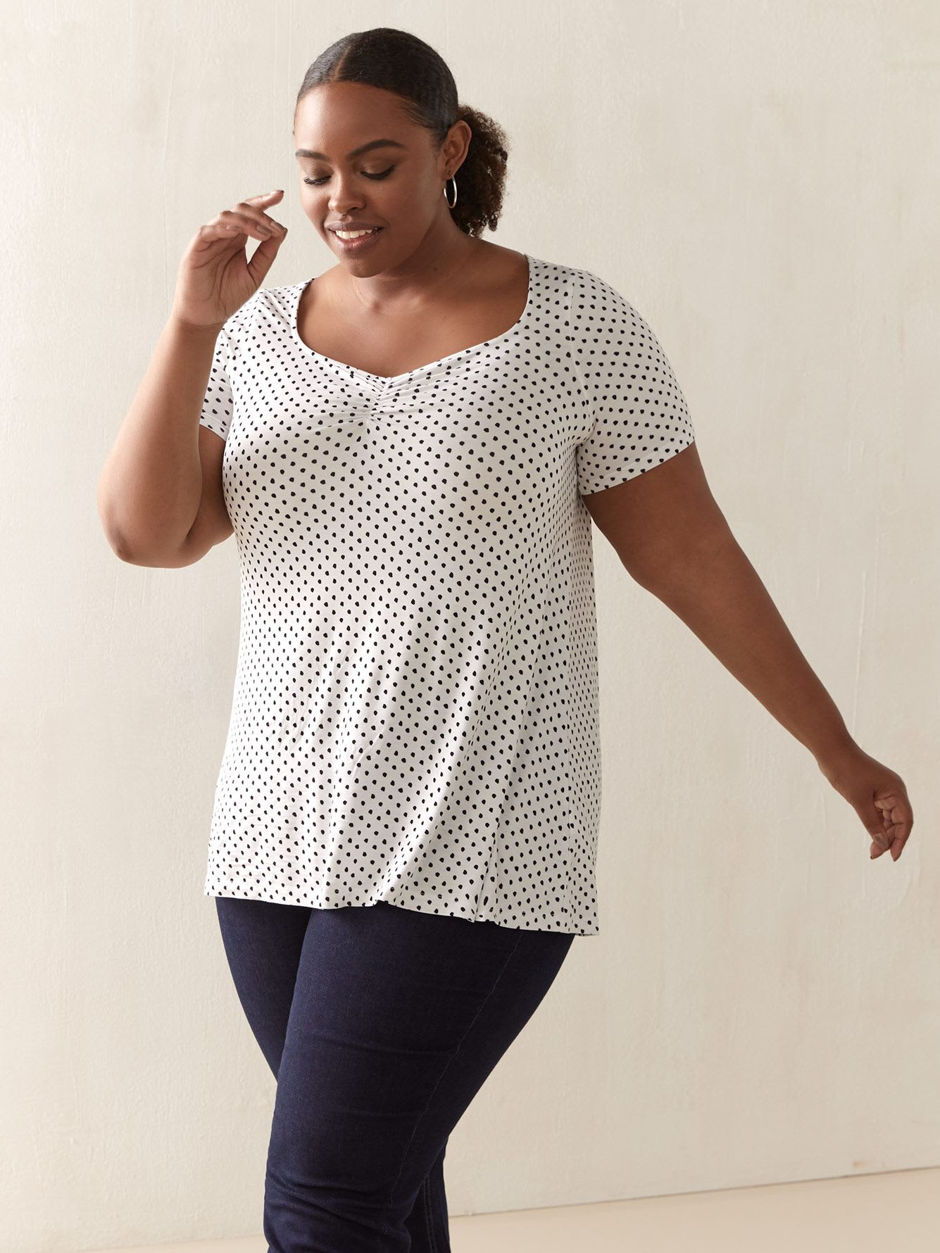 Sweetheart Short-Sleeve Top - In Every Story