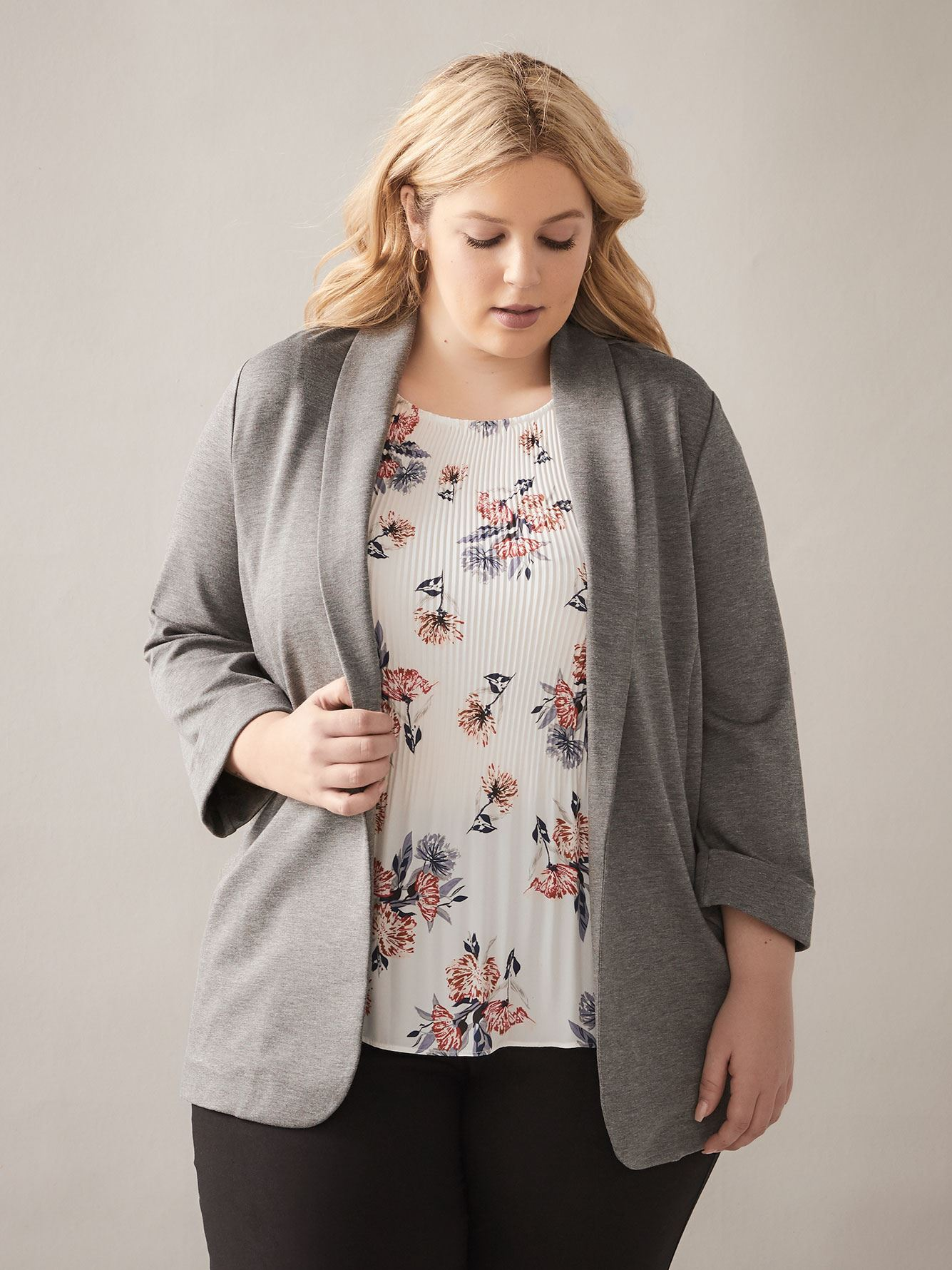 Semi-Fitted Three-Quarter Sleeve Blazer - In Every Story