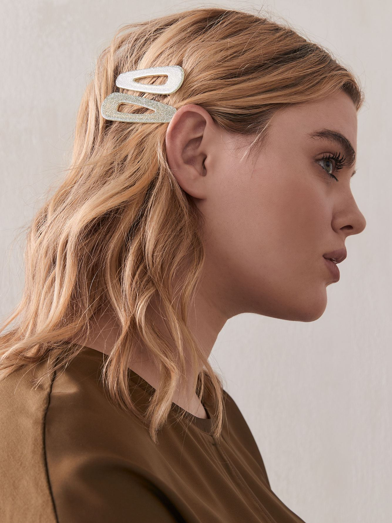 Shiny Resin Hair Barrettes, Pack of 2 - Addition Elle