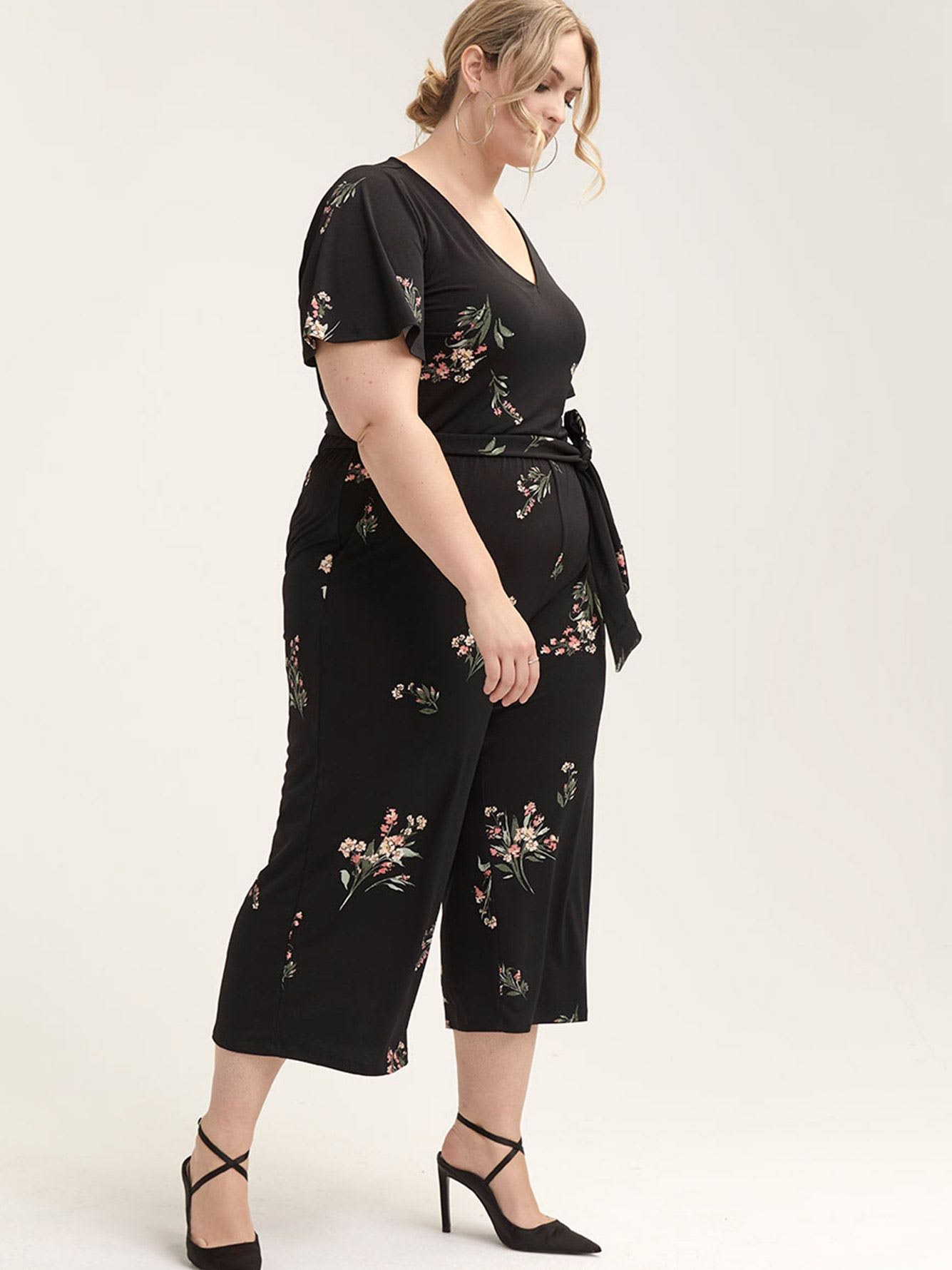 Cropped Floral Jumpsuit - In Every Story