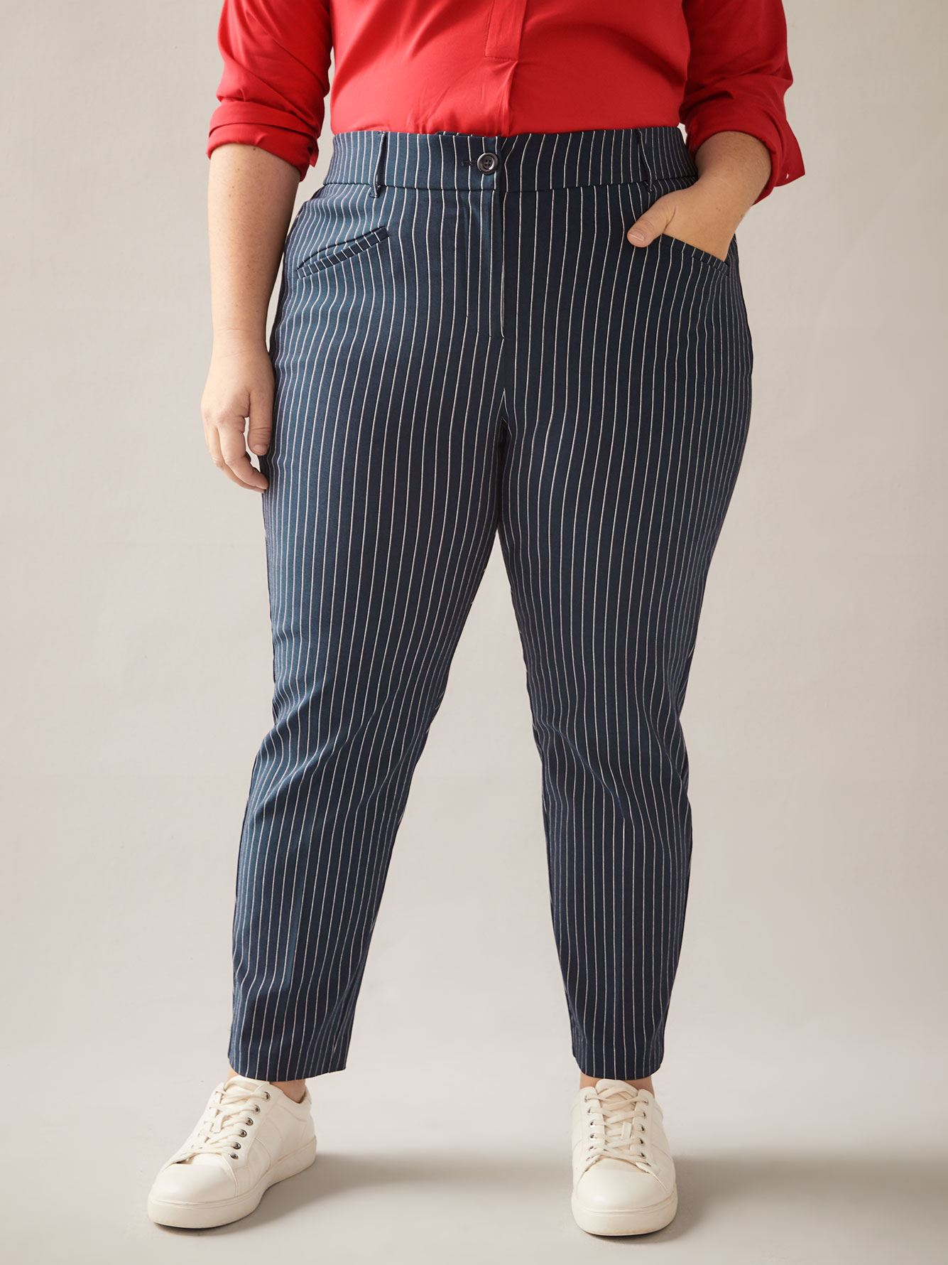 Savvy Chic, Printed Pant with Welt Pockets - In Every Story
